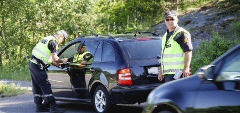 Kontroller: Innbyggere i Sundbyfoss mener at det er for stor fart i 60-sonen på FV35 mot Hof. arkivfoto