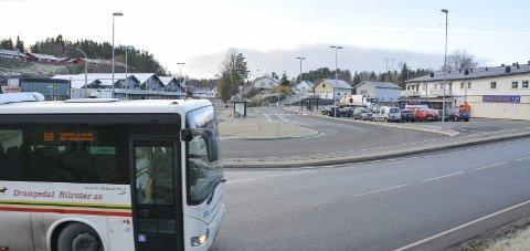 Fra kommunen: Holdeplassen for busser på Tangen i Sannidal er overdratt fra kommunen til Telemark fylkeskommune.
