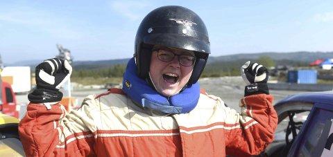KJEMPEGLAD: Jeanette Lilleås kunne juble for en overraskende andreplass i damefinalen på Basserudåsen.