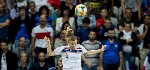 HÅPER: Synne Skinnes Hansen håper hun får muligheten til å spillere flere kamper under VM. Foto: Stian Lysberg Solum / NTB scanpix