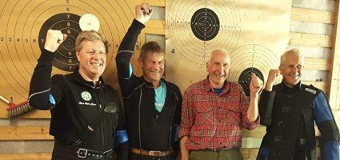 MESTERE: Numedals seirende lag. Fra v.: John Melvin Tveiten, Arne Mathisen, Hans Erik Rua og Asbjørn Mathisen