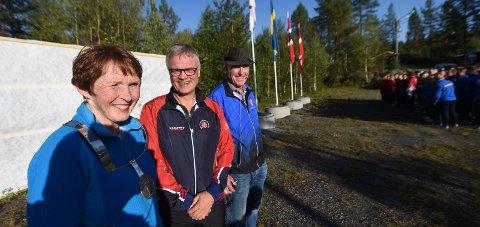 NORDISK i FJOR: Ordfører Kari Anne Sand, Jarle Tvinnreim, generalsekretær i DFS, og Knut Lande, samlagsleder i Numedal.