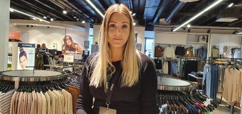 Trine Hagh har vært gjennom et lærerikt første år som butikksjef på Cubus Leknes.