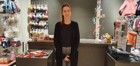 Hanne Marie Karijord Larsen trives i sin nye jobb på Zicco mini på Lofotsenteret.