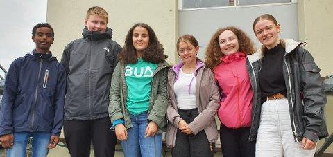 14-åringene Awad Sali Mohammed Ali, Asbjørn Davidsen, Selma Amin Charafettie, Alexandra Larsen, Eline Løvdal og Nikoline Høyen har til sammen løpt 176 runder i Lekneshallen.