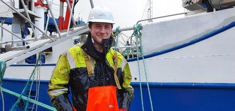 Runar Ingolfsen foran båten «Oscar Sund», i meget dårlig vær.