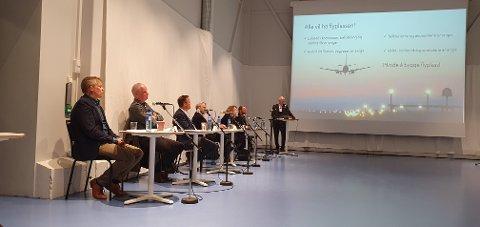 Torbjørn Pedersen, Sigvald Rist, Jim-Roger Nordly, Line Samuelsen og Remi Solberg var på plass i regi av Vest-Lofoten næringsforening.