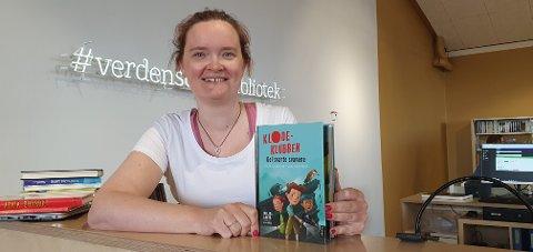 Barne- og ungdomsbibliotekar Therese Arntzen Vestnes på Meieriet bibliotek i Vestvågøy gir Lofot-Tidendes unge lesere lesetips hver uke i hele sommer. I uke 30 er det De Svarte Svanene.