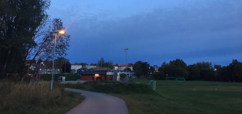 HØYE SMELL: Både natt til torsdag og natt til lørdag har beboerne på Ørejordet hørt høye smell sent på kvelden. Natt til lørdag fant ikke politiet noen ting som kunne være årsaken til hendelsen.