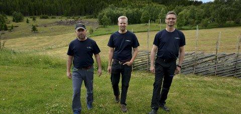 Søker: Norsk Dyreomsorg, her representert ved Einar Lyen (fv.), Øyvind Holø og Stein Ivar Skreden søker om midler. Foto: Arkiv