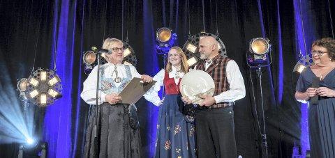 Det Norske Måltid: Avdem Gårdsysteri tok imot prisen for Årets Meieriprodukt. Foto: Bitmap/Det Norske Måltid