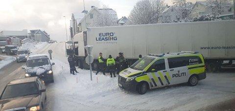 BOM FAST: «Alltid i bevegelse» er slagordet på det utenlandske vogntoget. Det var til det møtte vinterveiene i Tromsø.