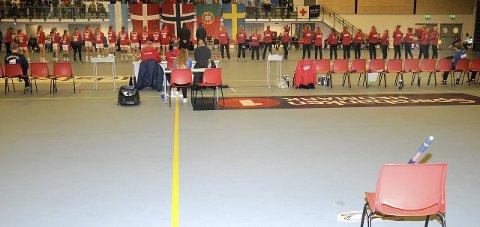 Vannsøl: En lekkasje fra taket førte til at Campus Arena Gjøvik framsto i redusert utgave søndag. Foto: Tor Erik Pettersen
