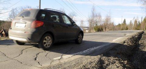 SKAL UTBEDRES: Fylkesvei 247 mellom Hov og Hasvoldseter skal utbedres.Arkivbilde