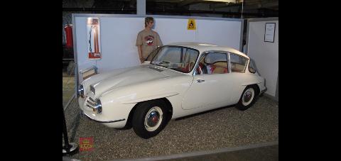 KLENODIUM: Den norskproduserte bilen Troll fra 1950-tallet ble kun laget i fem eksemplarer. ett av den dukker opp i Gjøvik lørdag.