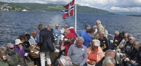 Ut på tur: Gjøvik Frivilligsentral inviterer til gratis tur på Skibladner for de eldre i dag. Foto: Privat