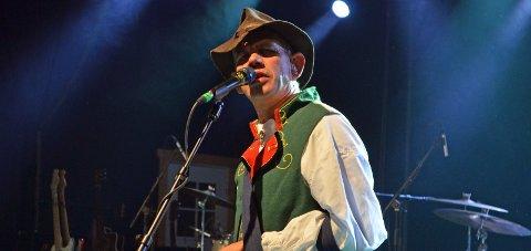 NY RUNDE: Lothepus er et av trekkplastrene under årets konsertsesong på Lavvotunet på Dokka camping. arkivbilde