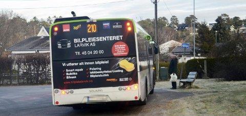 Skal ikke skje: Dette er noe som ikke skal skje. Dersom sjåførene skal be i arbeidstiden, er regelen at det skal skje i et eget rom, sier områdesjef hos Tide Buss AS, Glenn Rudi Baann.