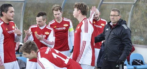 FORNØYD: Hemnes-trener Torstein Sørensen deppet ikke etter KM-tapet. Nå ser han fram mot å etablere laget i 5. divisjon.
