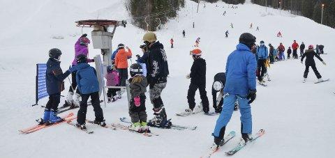 GOD SESONG: Skillevollen Alpinsenter stengte for sesongen tirsdag. Foto: Trond Isaksen