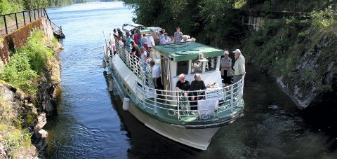 Elvecruise: Elvekongen inviterer til et totimers-cruise hver søndag i hele sommer.FOTO: RUNE BERNHUS