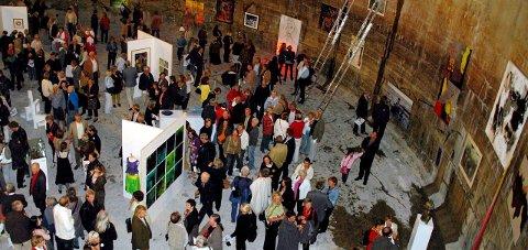 DEN FØRSTE: Slamsiloen i Slemmestad var åsted for den aller første Kunst rett Vest-utstillingen i 2007. I år er det Fossekleiva kultursenter på Berger utnefor Svelvik som er rammen om fellesutstillingen.