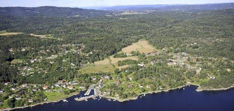 GEBYR: En hytteeier i Båtstø er ilagt et overtredelsesgebyr på 10 000 kroner av kommunen. (Illustrasjonsfoto).