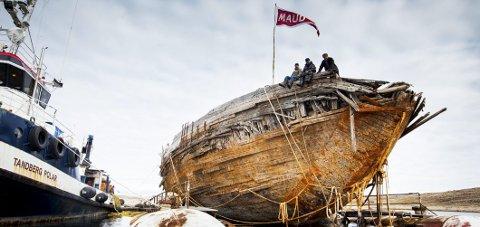 TIL NORGE: «Maud» ligger nå på Grønland og skal slepes til Norge med start i juni i år.Foto: jan Wangaard