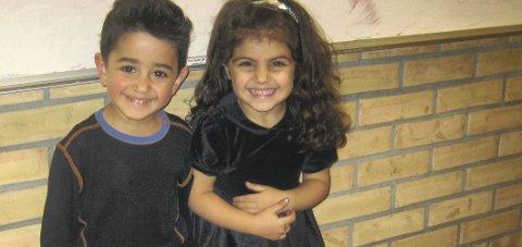 MANGE VIL HA GUIDE: Matilda og Georgeos er fra Syria. De er to av mange flyktninger som bor i Hurum. Ill.foto: Unni Smith