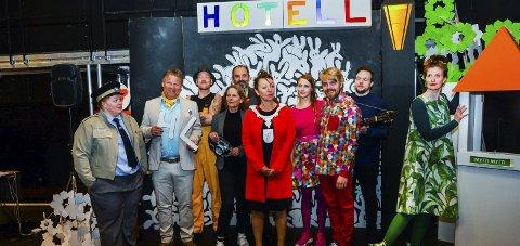 SAMLET: I går var alle skuespillerne samlet i Grenland friteaters lokaler i Porsgrunn. Premiere blir 13. juni.