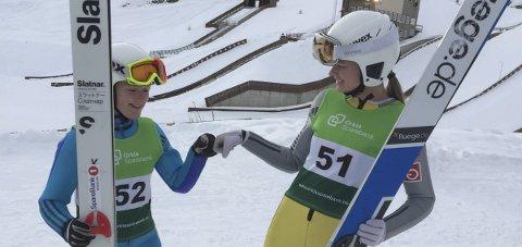 Laghopp: Heidi Dyhre Traaserud og Astrid Baardseth hoppet inn en fjerdeplass for Telemark og Vestfold skikrets.