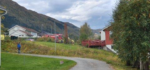Mye røyk i hus på Batnfjordsøra. Leserfoto