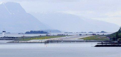 Molde lufthavn Årø vil dra nytte av arbeidet som skal gjøres på Hjelset.