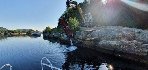 STUØYA: De to vannskuterne, som trolig er senket med hensikt utenfor Stuøya i Sørfjorden, ble denne uken tatt opp.