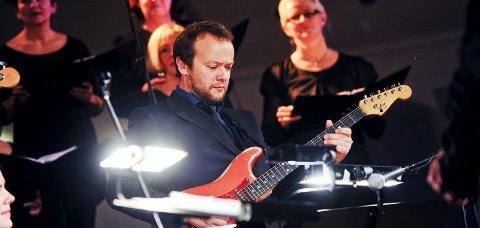 Fint så langt: Børge Petersen-Øverleir er blant de mest spilte musikerne i Norge. – Jeg har hatt det bra hele veien, og har ei grei årslønn, sier gitaristen som har levd av dette i 30 år.foto: hans Trygve Holm