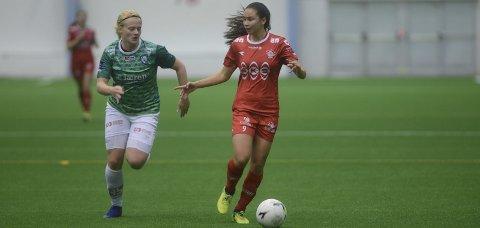Forsvinner: Sara Eggesvik skal kjempe om opprykk til toppdivisjonen i England i vår. Midtbanespilleren signerer for Charlton. Foto: Stian Høgland