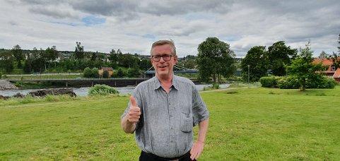 GLAD: Teatersjef og komponist for stykket, Øivind Roos er takknemlig for all støtten de har fått til prosjektet. FOTO: Jonatan Løsnesløkken