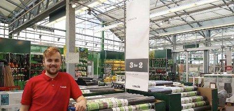 I JOBB: Preben Solberg på jobb hosPlantasjen i Haugesund.           FOTO: KRISTOFFER WESTERGAARD