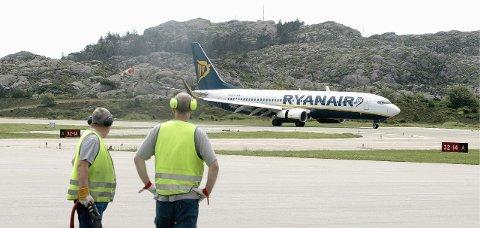 Stopp etter tolv år: Neste vintersesong kan vi se langt etter Ryanair-fly på Helganes.Arkivfoto: Alfred Aase