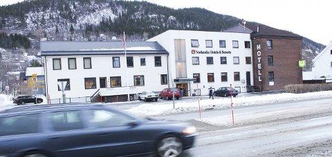 Stille: Nordlandia Lyngengården Hotell i Mosjøen huser nå flyktninger internert på akuttbasis. Hva som skjer etter 20. april er uvisst. Foto: Jon Steinar Linga