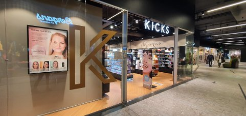 TYVERI: Onsdag ettermiddag ble det stjålet parfymer til et par tusen kroner fra Kicks på Ski storsenter.