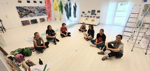 KUNSTLAB: Disse ungdommene deltok på kunstlaboratoriet til  Ingrid Granrud Veiersted i Trysil denne uka. Fra venstre Vilde Østvang-Danielsen (13), Kaia Storfjord Tangnæs (13), Floris Nelissen (14), Erne Rundfloen Hegg (13), Lina Marie Lohne (14) og Hedda Ingeborg Lembue (16).