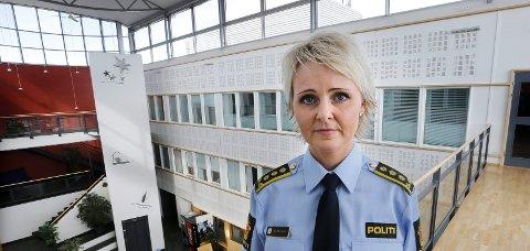 PÅ VAKT: Visepolitimester Heidi Kløkstad ber folk melde fra til politiet dersom det observeres ting som oppfattes som unormalt og mistenkelig. Foto: Tom Melbye