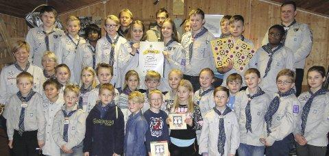 Vinnere: Jevnaker Speidergruppe vant den fjerde trekningen i kartonglotteriet i 2016. Foto: Kato Hoelsveen