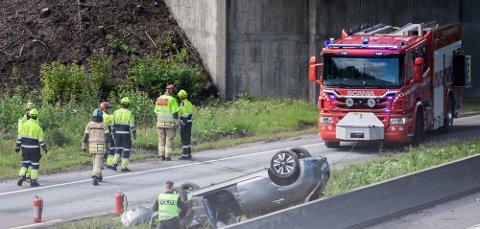 En person er sendt til Ullevål sykehus etter trafikkulykke på E6 ved  Vinterbrosletta.