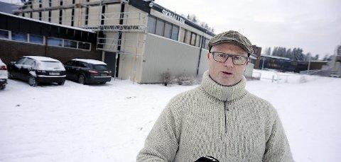 Oppgitt: Hva er det styret i Ski Idrettsråd har gjort som kan ha forarget Larssen så voldsomt? lurer lederen i idrettsrådet, Arnfinn Kolstad, på.