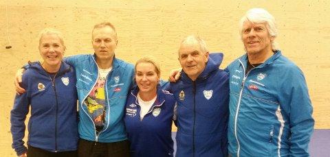 SANKET MEDALJER: Ragnhild Gulvik (f.v.), Jørn Aass, Jeanette Svanberg Eliassen, Tor Stein Osland og Jostein Myrvang sørget for sju gullmedaljer i kretsmesterskapet i hopp uten tilløp.