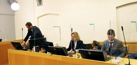 Aktoratet med Esben Kyhring og Maria Bache Dahl hadde tatt inn Thomas Nielsen, som ledet BDO-granskingen, som vitne i dag.