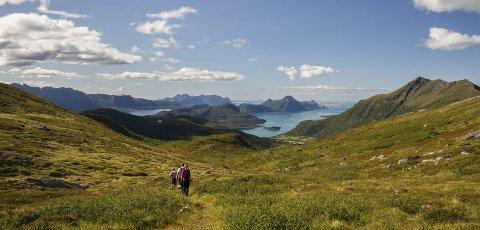 Flott utsikt: På en skikkelig klar dag kan Træna sees i horisonten. Foto: Heidi Norum