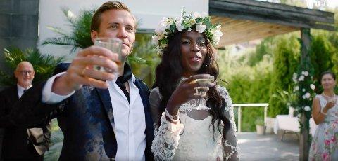 PROFF: Sonja Wanda spiller kona til Tobias Santelmanns karakter «Henrik» i den nye NRK-serien.